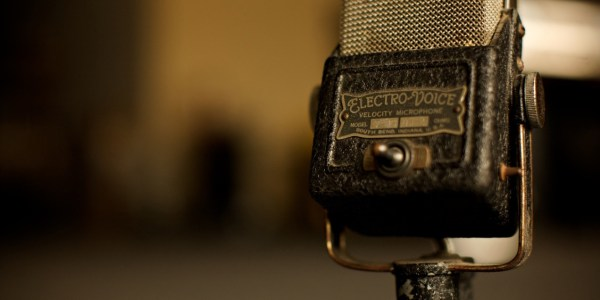vintage_microphone-wallpaper-1280x800